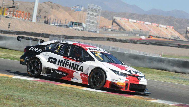 Matías Rossi ganó la competencia sabatina del Súper TC2000 en San Juan