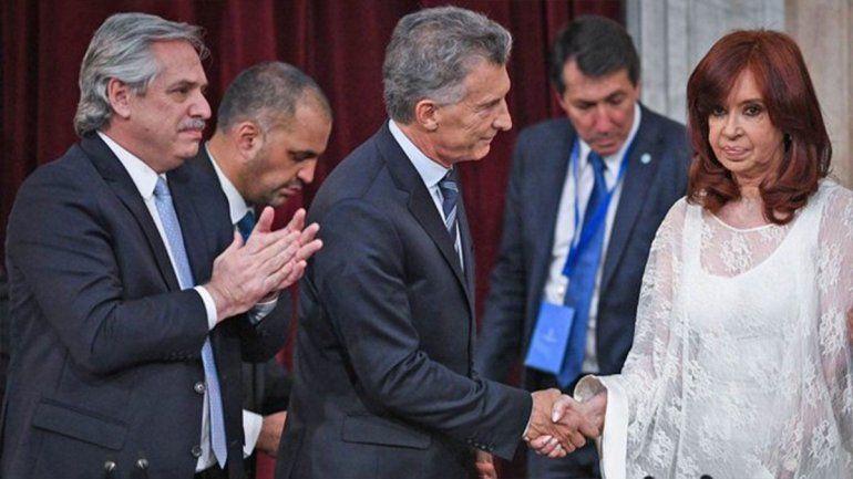 Macri criticó la carta de Cristina y dijo que acepta dialogar con la Constitución sobre la mesa