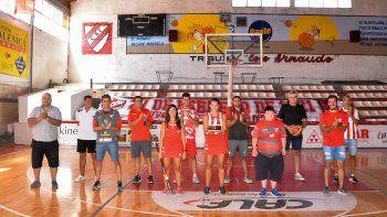 Figuras de ayer y de hoy de distintas disciplinas de Independiente, en la producción de LMN por su Centenario.
