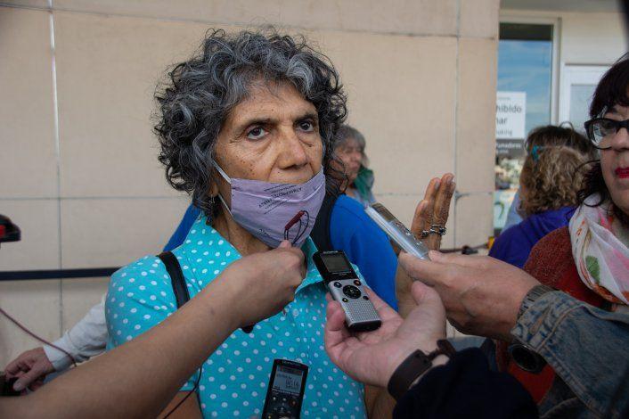 Elida Sifuentes hace 45 años guarda en su memoria la imagen de ese avión que pudo observar antes que los secuestradores le pusieron la venda para trasladarla al centro clandestino de detención de Bahía Blanca.