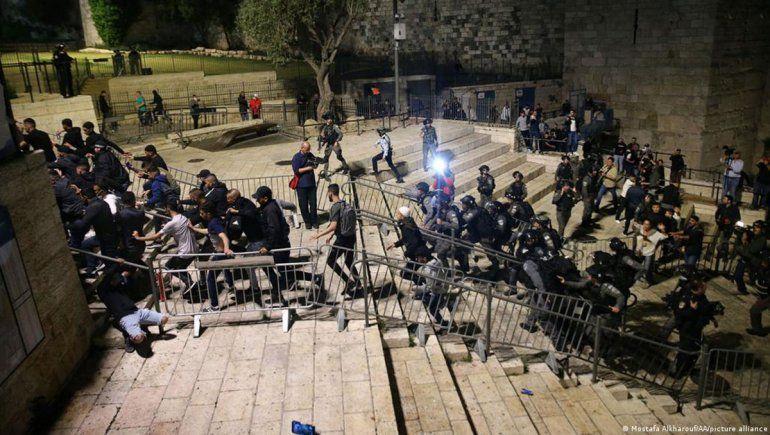 Crece la tensión y la violencia en Jerusalén