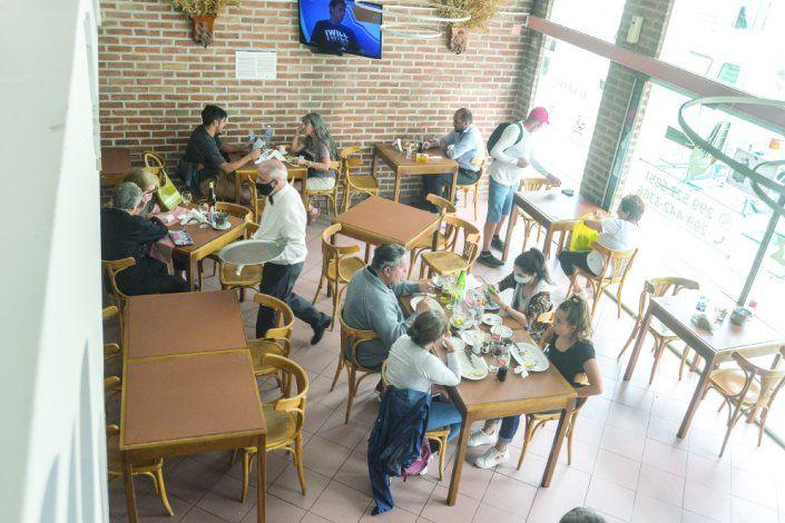 A los restaurantes les cayeron muy bien la temporada de verano y el turismo de paso.
