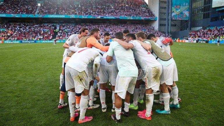 España venció a Croacia y pasó a cuartos en un duelo a puro gol