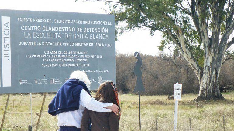 Las víctimas fueron trasladadas en grupos en avión que piloteaba el acusado Juan José Capella desde el aeropuerto de Neuquén hasta el centro clandestino