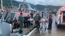 salvaron a dos ninos que naufragaron por tres dias