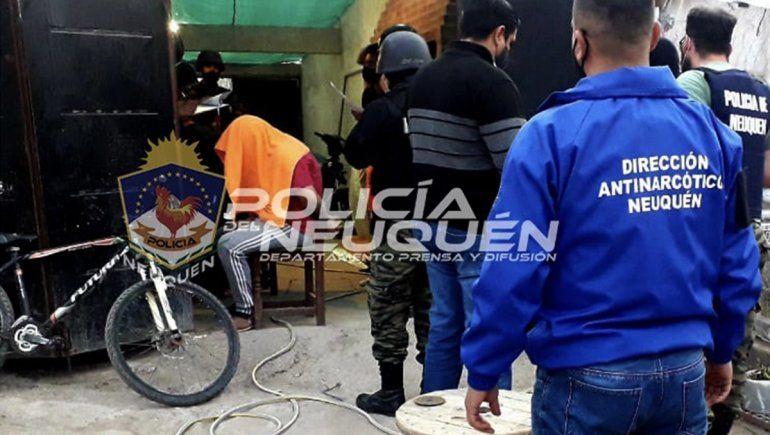 Secuestraron un kilo de marihuana en un kiosco narco en El Chañar