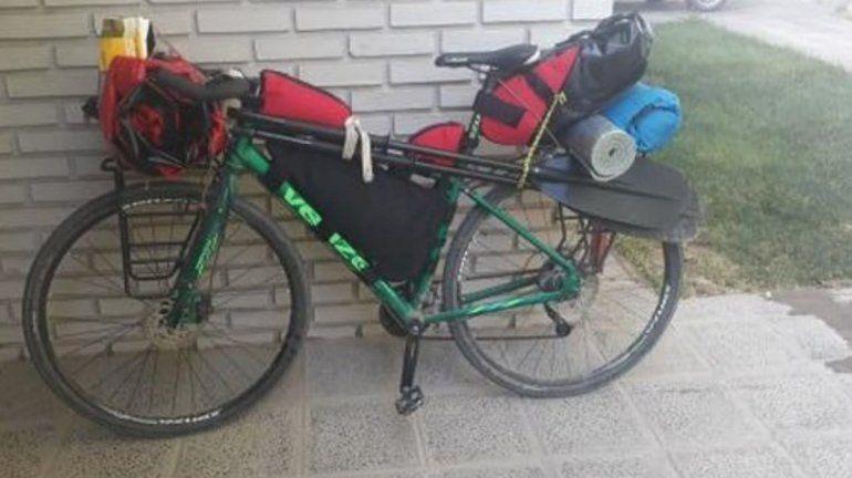 Le robaron la bici que le regaló su mamá y la busca por redes