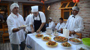 andacollo: la escuela que rescata la esencia de la cocina neuquina
