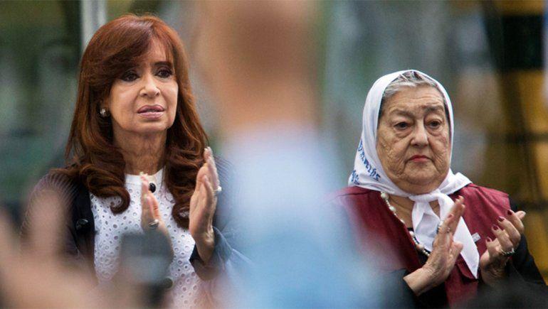 Bonafini y Cristina Kirchner en un acto público