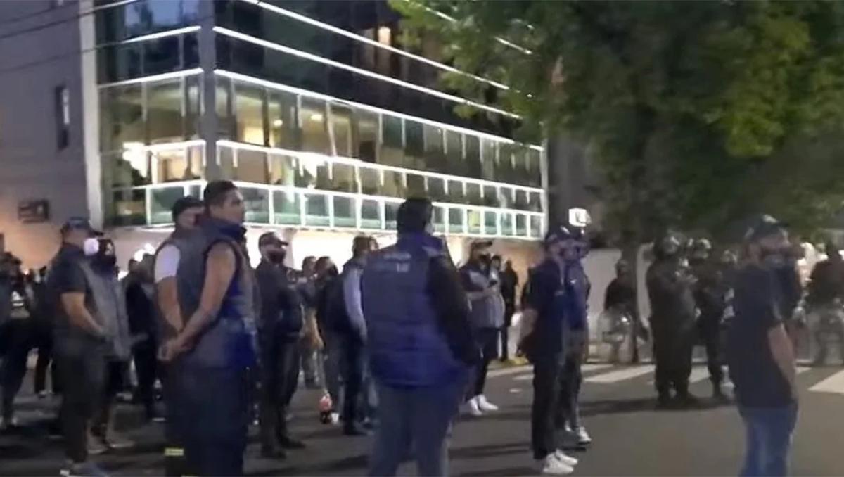 enfrentamiento a los tiros entre facciones del gremio de empleados de seguridad