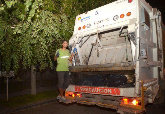 La joyita que le da goles a Cipo y de noche trabaja de recolector de residuos