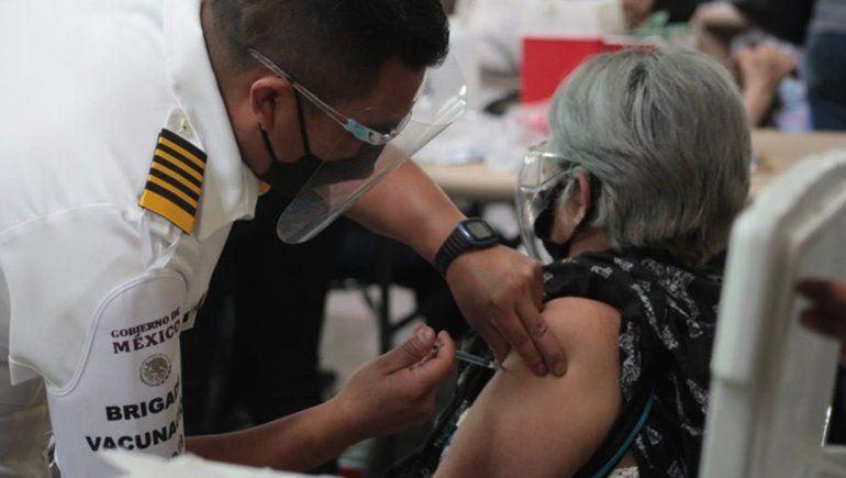 Fue a vacunarse y pidió auxilio por los maltratos de su hija