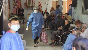 El COVID dejó otras 13 muertes y 400 positivos en Neuquén