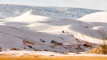 un temporal historico cubrio de nieve al desierto de sahara