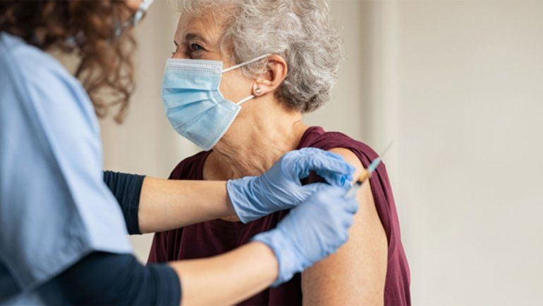 Escuchá el audio: se vacunó sin turno y se los contó a sus amigas por WhatsApp