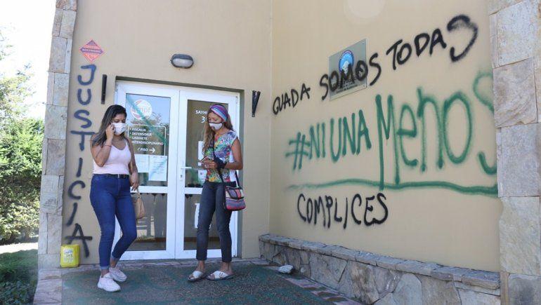 La Angostura: una ordenanza prohíbe grafitis y generó amplio repudio