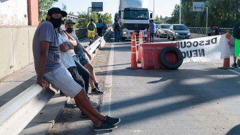en fotos: el corte en los puentes carreteros
