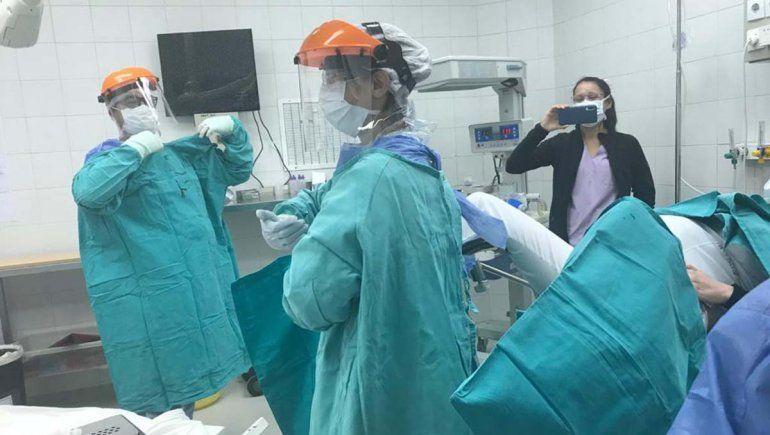 Suman egresados y estudiantes de Medicina al sistema de salud