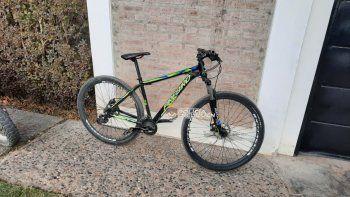 Detienen a un ladrón tras robar una bicicleta de un comercio