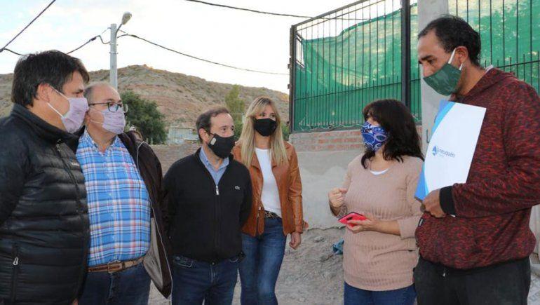 Villa Ceferino: entregaron certificados de regularización de terrenos a 60 vecinos