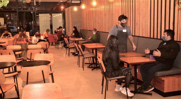 Cipolletti: bares, restaurantes y salones podrán funcionar al 50%