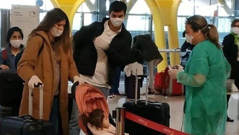 Isabel Macedo y Urtubey regresaron de España junto a 400 repatriados