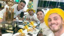 Nahuel Gallardo y otro festejo con Defensa y Justicia. Ganó la Recopa Sudamericana.