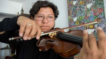 violinista neuquino ofrece conciertos gratuitos de musica clasica por videollamadas
