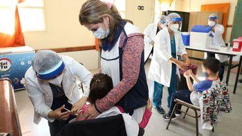 Empieza un mega operativo de vacunación para niños y adolescentes
