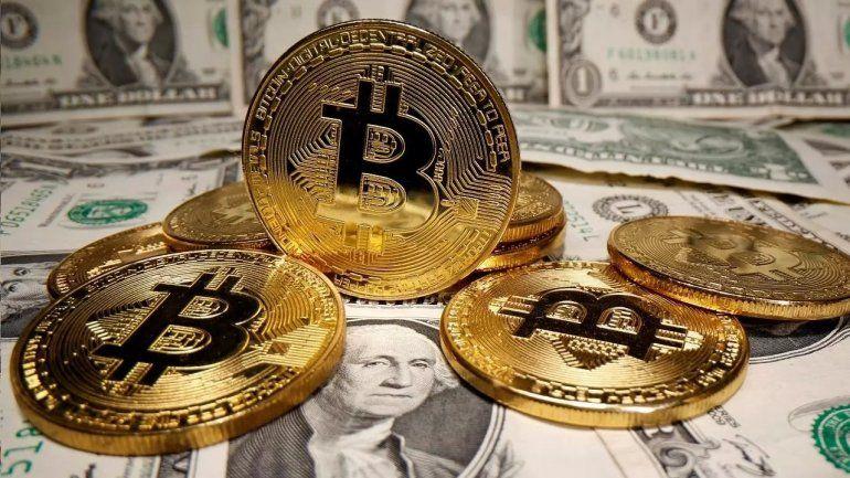 Nuevo récord del Bitcoin: sube un 16% y supera los 45 mil dólares