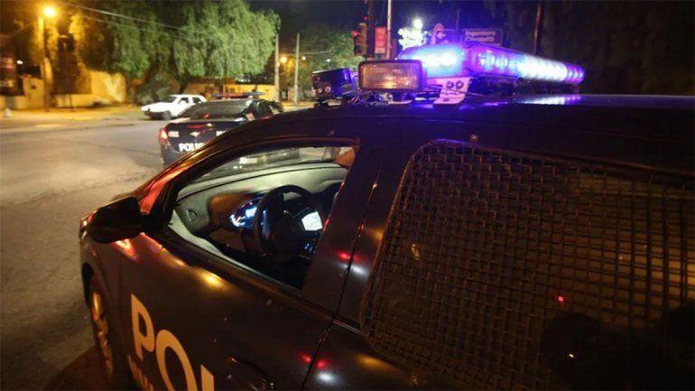 Vecinos lincharon y mataron a un hombre que golpeó a su pareja