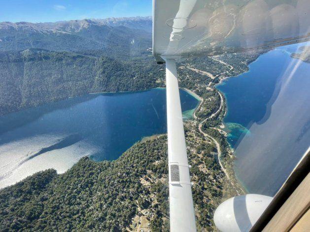 Volar es una de las pasiones de Carlos para sus viajes.