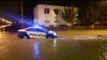 temporal: barrio huiliches inundado y desbordes en el arroyo duran