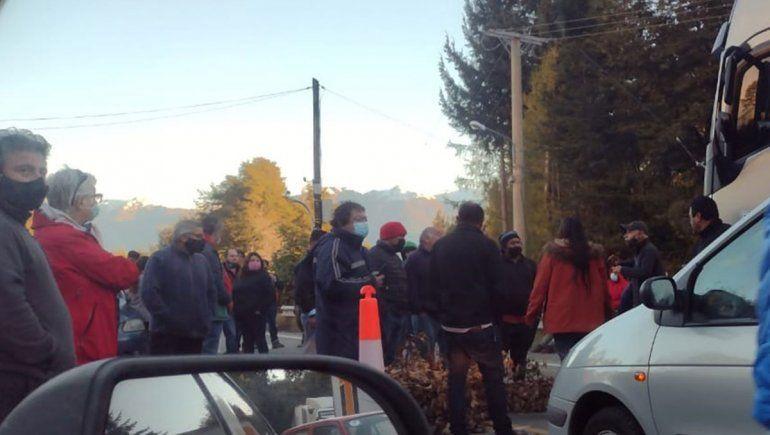 Tensión, violencia y contrapiquete en Villa La Angostura
