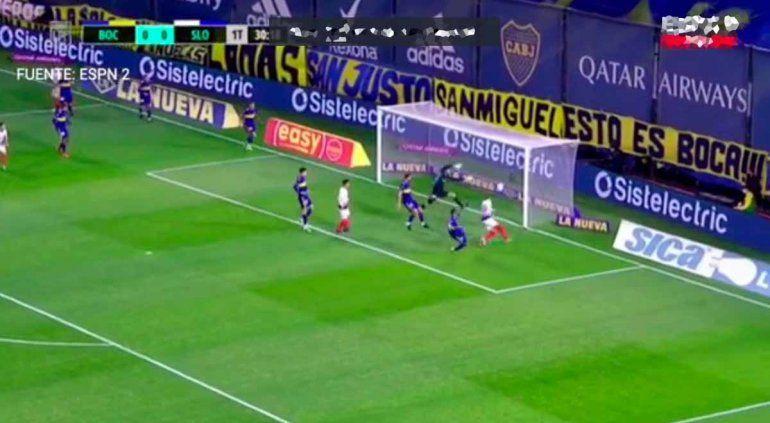 Fabra falló en el gol, Battaglia lo sacó en el entretiempo y llueven los memes