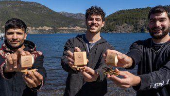 en cuarentena, amigos crearon un detergente con aceite reciclado