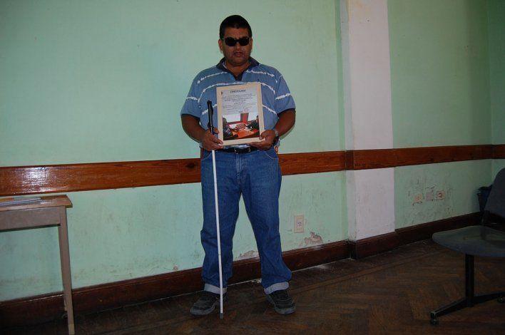 Juan planea dar clases de defensa personal