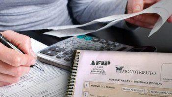 Promulgan ley de alivio para monotributistas
