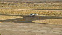 fiesta clandestina con mas de 100 personas en el aeropuerto de zapala