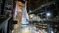 nasa: la nave lunar se acopla al megacohete sls