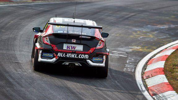 Esteban Guerrieri logró su segunda victoria en el mítico Nordschleife, variante de más de 20 kilómetros del tradicional circuito de Nürburgring. El de Mataderos se llevó la primera carrera del WTCR,
