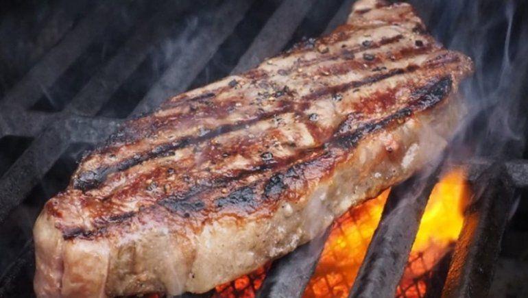 Los precios de la carne siguen aumentando y llenar la parrilla está cada vez más difícil.