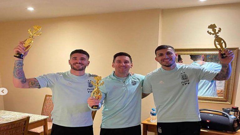 Messi, Paredes y De Paul fueron los campeones del torneo de truco.