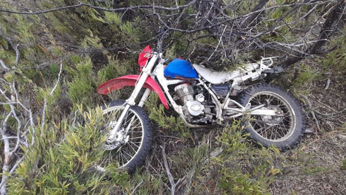 pehuenia: encontraron la moto de los jovenes desaparecidos
