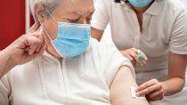 brasil anuncia que dara tercera dosis de refuerzo a mayores de 60 anos