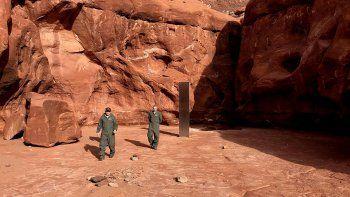 misterio mundial: un monolito en el desierto de utah