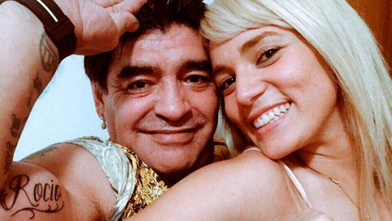Rocío Oliva disparó contra el entorno de Diego Maradona que no la dejó entrar al velorio íntimo.
