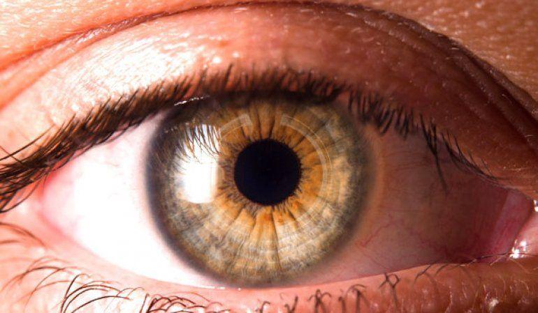 Descubren nueva secuela del COVID: alteración en la superficie de los ojos