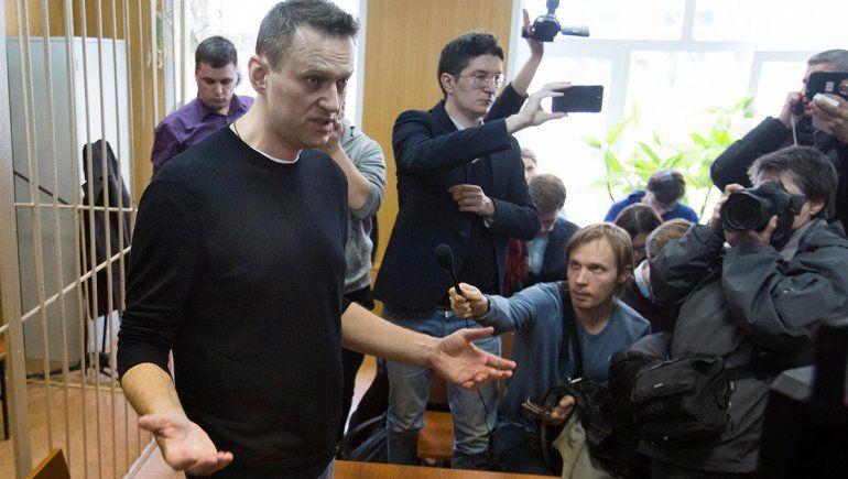 Rusia: sentenciaron al opositor Navalny