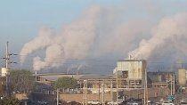 ¿a que se deben las intensas columnas de humo en las papeleras?